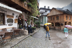 HALLSTATT-(AUSTRIA)-31 (Fotoencuadre Miguel Alvarez) Tags: hallstatt austria tirol pueblomasbonitoalladodeunlago montañas alpes lago pueblo europa montaña elpueblomasbonitodelmundoalladodeunlago unesco bruma casasdemadera