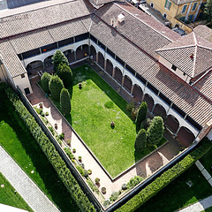 Pisa (pom.angers) Tags: panasonicdmctz101 pisa toscana italia italy europeanunion torrependente leaningtower roofs april 2018 100 tuscany 200