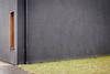 ums Eck (chipsmitmayo) Tags: nikon d80 50mm f18 fifty fiddy digital schmallenberg sauerland hsk kunsthaus alte mühle wand wall beton gras corner grau