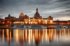 Dresden river at night (Henrique Pelegrini) Tags: dresden germany river water night lights sky long exposure sony sigma