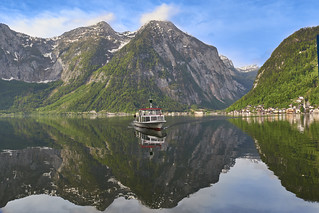 Ferry to carry people to Hallstatt