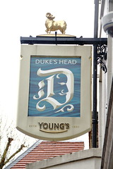 Pub sign for the Dukes Head, Putney. (Peter Anthony Gorman) Tags: dukeshead youngs pubsigns putney