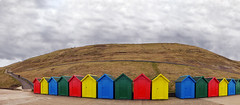 The Colours Of Whitby (TablinumCarlson) Tags: uk grosbritannien britannien britain great united kingdom england nordengland whitby borough scarborough boroughofscarborough north yorkshire northyorkshire esks nordse northsea badehaus badehäuschen farben colours bunt colourful panorama leica dlux6 dlux lux randhäuschen