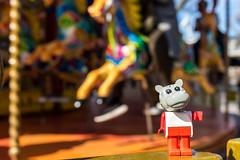 Merry-go-round (Ballou34) Tags: 2017 7dmark2 7dmarkii 7d2 7dii afol ballou34 canon canon7dmarkii canon7dii eos eos7dmarkii eos7d2 eos7dii flickr lego legographer legography minifigures photography stuckinplastic toy toyphotography toys merry go round merrygoround fabuland hippo horse londres england royaumeuni gb