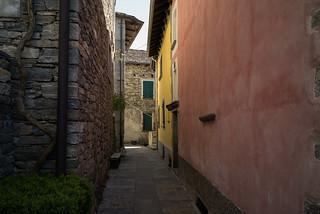 the colors of Verdasio . Centovalli Ticino