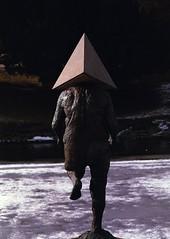 Pyramid head. (K. Lothe) Tags: gotenburg gøteborg sweden spring vacation analog film slr pentax me superia xtra 400 200mm pyramid head statue