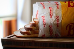 How the the way the bread  opens up a tiny stairwell to lunch ???💯 (TwoPenceMedia) Tags: foodfeels twopencemedia 2pmedia yellow breadporn breadlovers slicedpan lunch brennan's bread