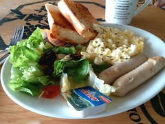 Break-O-Day (:Dex) Tags: salad vegetable sausage bread toast butter breakfast scrambleegg egg food yummy coffeebean cafe penang
