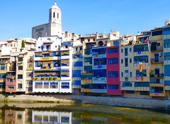 Girona Spain (Leshaines123) Tags: girona catalunia spain exposure photography cropping buildings colour river catalonia