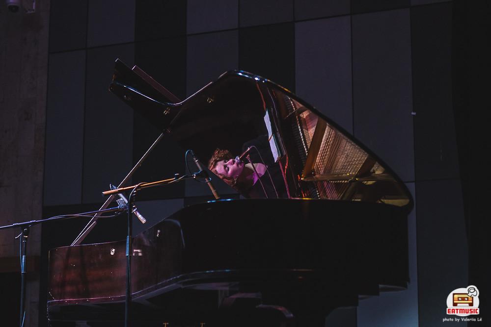 Концерт Алины Орловой в ЦДХ: «Ну как вам? Уютно тут со мной?» Валерия Лё