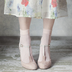 97 / 365 (sweethardt) Tags: 365 365project canon aroundthesun assignment canon5dmii chie chiemihara day97 dress flowers heels herewegoagain highheels journey2018 journeyhw mbljourney2018 parttwo personalproject photoeverydayforayear photographer photography photoproject2018 photoproject365 pink romantic sandals shoes skirt socks suede tripod tstrap self selfportrait selfie