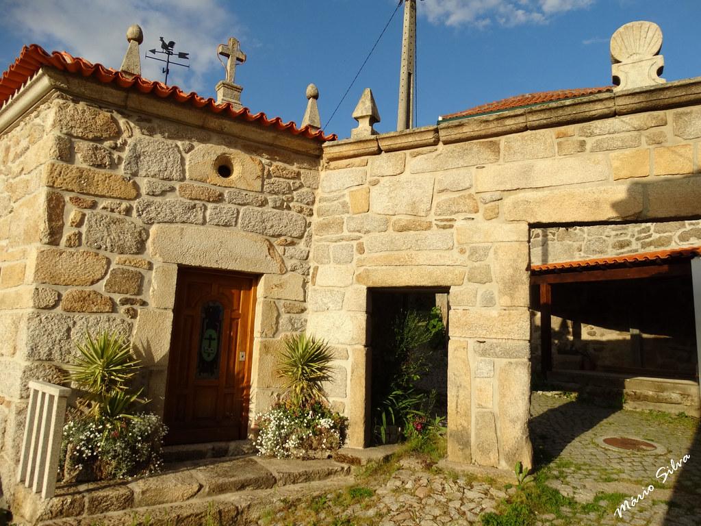 """Águas Frias (Chaves) - ... pórtico e capela de """"Nª Srª dos Prazeres"""" ..."""