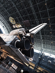 Space Shuttle Discovery - Udvar-Hazy Center National Air and Space Museum, Dulles Virginia (Jonmikel & Kat-YSNP) Tags: spaceshuttle discovery udvarhazycenter nationalairandspacemuseum dulles virginia museum nasa spaceflight spaceship orbiter