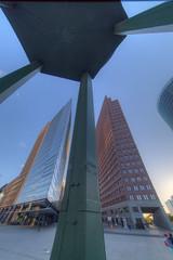 Forum-Tower, Verkehrsturm und Kollhoff-Tower - HDR - Detailed (Pascal Volk) Tags: berlin mitte berlinmitte tiergarten potsdamerplatz altorangodinámico highdynamicrangeimage hdr hdri hdraddicted wideangle weitwinkel granangular superwideangle superweitwinkel ultrawideangle ultraweitwinkel ww wa sww swa uww uwa hochhaus towerblock highrise canoneos6d irix11mmf40 blackstone 11mm 11mmlens irixlens extremewideangle dxofilmpack hdrsoftphotomatix