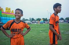 (kuuan) Tags: indonesia voigtländerheliarf4515mm manualfocus mf voigtländer15mm aspherical f4515mm superwideheliar apsc sonynex5n solo surakarta street boys soccer alunalun alunalunkidul