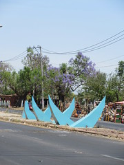 Schematic blue agave sculpture, Highway 15, El Arenal, Mexico (Paul McClure DC) Tags: tequilacountry jalisco mexico apr2018 elarenal sculpture