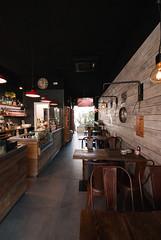 _DSC2631 (fdpdesign) Tags: memphisbelle albenga liguria italia italy furniture shop design shopdesign wood industrial lampade bar food cibo doghe 2018 tavoli sedie sgabelli