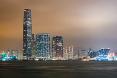 Kowloon at night (_gate_) Tags: kowloon hong kong city urban night photography victoria peak cityscape view shot towers bank nd1000 weitwinkel angle wide wolken cloud clouds cloudy nikon skyline 2017 november gate d750 avenue stars 香港 special administrative region peoples republic china stadt himmel gebäude wasser meer boot berg bucht tamron 1530mm vc wolkenkratzer nacht