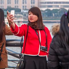 LR Shanghai 2016-858 (hunbille) Tags: birgitteshanghai6lr china shanghai zhongshanroad road zhongshan promenade huangpu river thebund bund the selfie