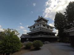 Castle vS honmaru3 _orig_LG (Hazbones) Tags: iwakuni yamaguchi yokoyama castle kikkawa suo chugoku mori honmaru ninomaru demaru wall armor samurai spear teppo gun matchlock map ropeway