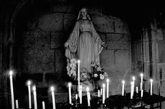(Jean-Luc Léopoldi) Tags: bw noiretblanc église catholicisme religion vierge cierges candles church dark sombre lumière