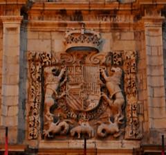 Astorga (León-España). Ayuntamiento. Escudo (santi abella) Tags: astorga león castillayleón españa heráldica escudos