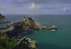 sea view (Paolo Dell'Angelo (JourneyToItaly)) Tags: portovenere cinqueterre laspezia liguria italia ruins sunrise chiesadisanpietro sea