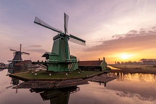 Zaanse Schans windmill at sunrise