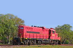 Locomotive KFRX Number 4603, Williston, Florida (gg1electrice60) Tags: formerillinoiscentralgp99216 builtbygmelectromotivedivision builtjan1957asgp9 generalmotors gm electromotivedivision emd illinoiscentralgp99216 illinoiscentralgulf paducahshops rebuiltasicggp108088 soldtousarmy usax4603 usarmyatfortcampbell fortcampbellkentucky renumberedusax4603 notacommoncarrier kfrx4603 industrialcomplex williston florida fl levycounty unitedstates usa us america eastnobleave enobleavenue se7thstreet southeast7thst seseventhst industrialarea train diesel diesellocomotive dieselengine