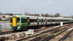 377612 (JOHN BRACE) Tags: 2012 bombardier derby built class 377 electrostar 377612 southern livery east croydon station
