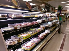Cakes at the bakery! (l_dawg2000) Tags: 90s classic dairy deli food formerneonstore formerwannabeneonstore groceries jacksontn kroger labelscar madisoncounty meats milk millenniumdécor pharmacy produce tennessee tn uscan jackson unitedstates usa