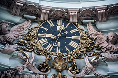 Flashbacks (Melissa Maples) Tags: innsbruck österreich austria europe nikon d3300 ニコン 尼康 nikkor afs 18200mm f3556g 18200mmf3556g vr winter cathedral church domzustjakob domstjacob sanctuary clock