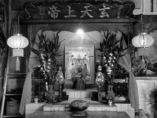 A l'intérieur du vieux temple chinois de Battambang, Cambodge, Février 2018. Inside the old Chinese temple of Battambang, Cambodia, February 2018.