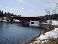 Le pont Savoyard in Grand-Remous, Québec (Ullysses) Tags: pontsavoyard outaouais rivièregatineau pontcouvert coveredbridge spring printemps gatineauriver grandremous quebec canada