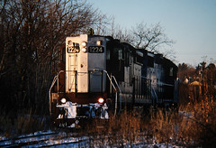 Class of '56 (view2share) Tags: emd electromotivedivision engine evening eastbound els escanabalakesuperior elsrr december262002 december2002 december 2002 deansauvola michigan mi upperpeninsula uppermichigan northernmichigan northwoods northwood ontonagonriver ontonagon ontonagoncounty railway rr railroading railroad railroads rail rails railroaders rring roadtrip river track transportation tracks transport trains trackage train trees ob freight freightcar freightcars winter snow snowfall cold sd9 gp38 els402 els1224