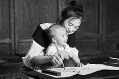 Contract is signed (frank.gronau) Tags: sweet cute beautiful girl baby woman shanghai weis schwarz white black 7 alpha sony gronau frank