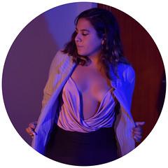la más azul (ダニエル ·) Tags: brunette gaby girl woman cuenca ecuador morlaca azul violeta sexy pelo morena latina pretty beautiful bonita ecuatoriana daga