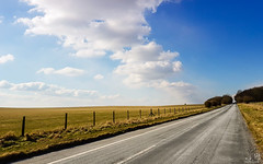 Road to Stonehenge (ab_17th) Tags: road england stonehenge sky blue green gray nature travel