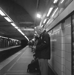 (Stevelb123) Tags: film filmphotography analog analogphotography mediumformat mediumformatfilm mediumformatphotography 120film 120rollfilm 120mm 120mmfilm 120mmrollfilm yashica yashicamat yashicamat124g ilford ilfordfilm ilford400 ilfordhp5 ilfordhp5plus hp5 hp5plus