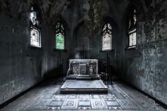 the chamber... (st.weber71) Tags: nikon nrw germany gebäude kentschool lostplaces verlasseneorte verlassen verfall deutschland d850 kirche kirchen architektur art altar fenster