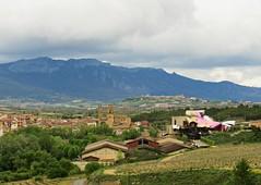 Elciego..( La Rioja Alavesa) (kirru11) Tags: panorámica paisaje bodegas pueblo iglesia monte viñas árboles campo elciego riojaalavesa paisvasco españa kirru11 anaechebarria canonpowershot