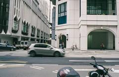 streetview - singapore #35mmfilm (31lucass shots) Tags: singapore singaporeimages minoltafilmcamera vintagelens snapshot streetview streetphoto agfavistafilm ishootfilm filmisnotdead manualfocuslens minoltamd28mmrokkor minoltax700 negativefilm filmphotography analoguefilm agfvista400 135film 35mmfilm