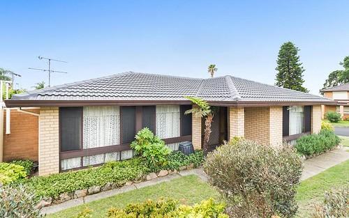 6 Kikori Place, Glenfield NSW