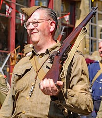 Haworth 1940's Weekend 2018 (grab a shot) Tags: canon eos 5dmarkiv haworth haworth1940sweekend england uk yorkshire westyorkshire brontecountry reenactment livinghistory war worldwar2 ww2 wwii 1940s homefront oldfashioned vintage warweekend 2018 people outdoor man homeguard soldier unifor military uniform army male