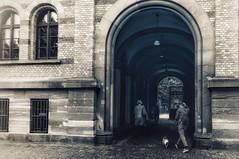 You'll never walk alone... (hobbit68) Tags: people personen menschen frankfurt am main tür door durchgang schwarzweis blackwhite