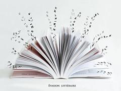 Evasion littéraire ... (Hélène Quintaine) Tags: livre lettre police évasion composition création page flou ombre littéraire lecture gris noir blanc écriture lire