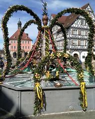 Ostermontag in Schorndorf (to.wi) Tags: eier brunnen osterbrunnen schorndorf marktplatz rathaus apotheke towi ostern