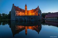 Burg Vischering (Klaus Kehrls) Tags: burgen architektur historischegebäude nrw nachtaufnahme spiegelung wasserburg