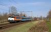 20180329 RPR 1828 + dinertrein, Castricum (Bert Hollander) Tags: castricum cas railpromo loc 1828 eloc locomotief serie 1600 oranje rijtuigen blauw boog leeg zon rfs trein 33213amrasd