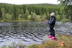 Fisking ved Nordre Huetjernet (bioliv1) Tags: lodd3 totenåsen fisking oksbakken fiske huetjerna østretoten norway